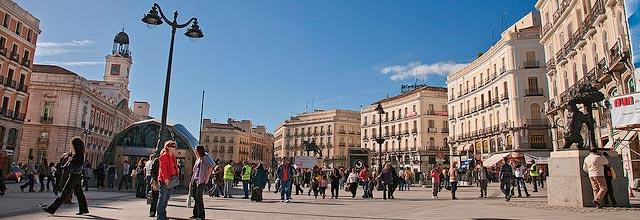 El coraz n de madrid sol y la gran v a for Puerta del sol hoy