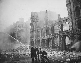 bomberos de Londres durante el Blitz